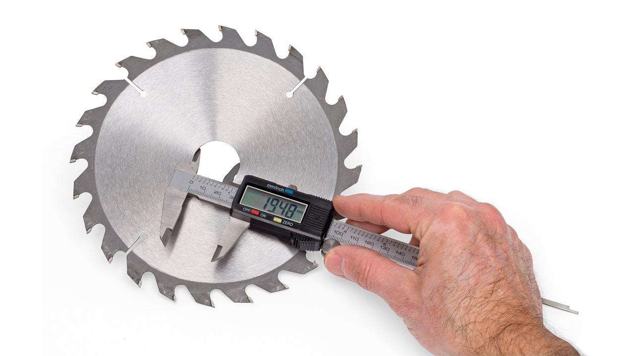 KREATOR KRT705002 KRT705002-Calibrador Metal